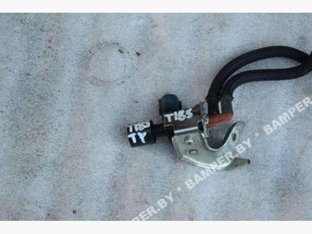 Клапан воздушный Toyota Auris 1 25860-30070