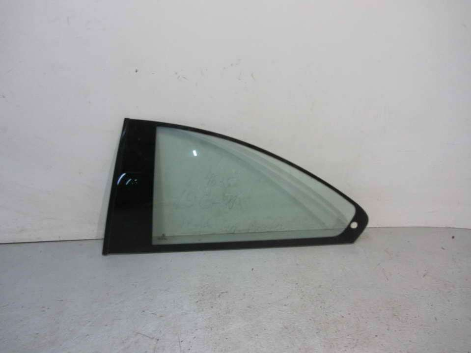 Стекло кузовное боковое левое BMW 3 E46