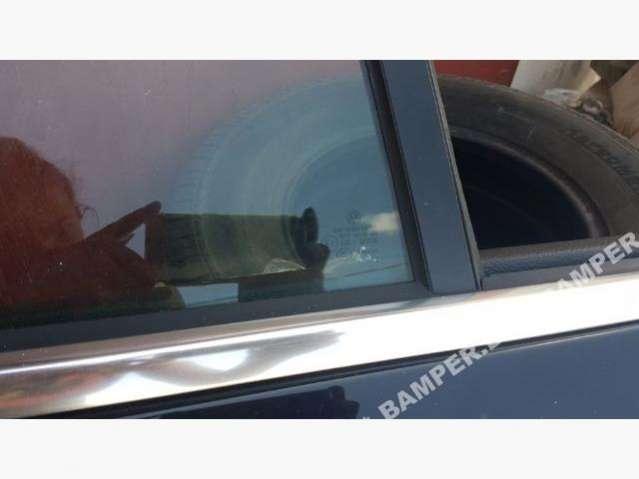Форточка задняя правая Volkswagen Passat CC