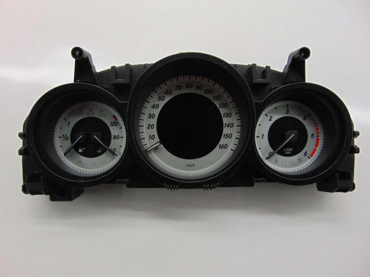 Щиток приборов (приборная панель) Mercedes C W204 A2049005813