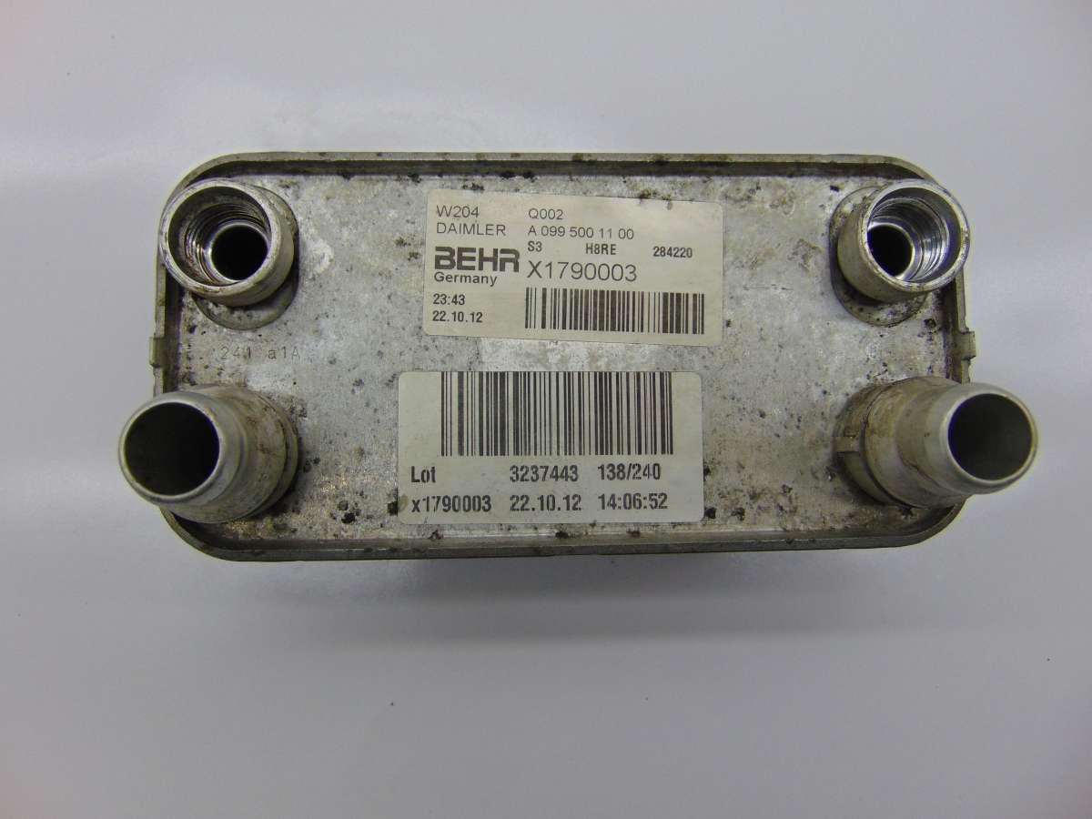 Радиатор масляный Mercedes C W204 A0995001100,A0995002300