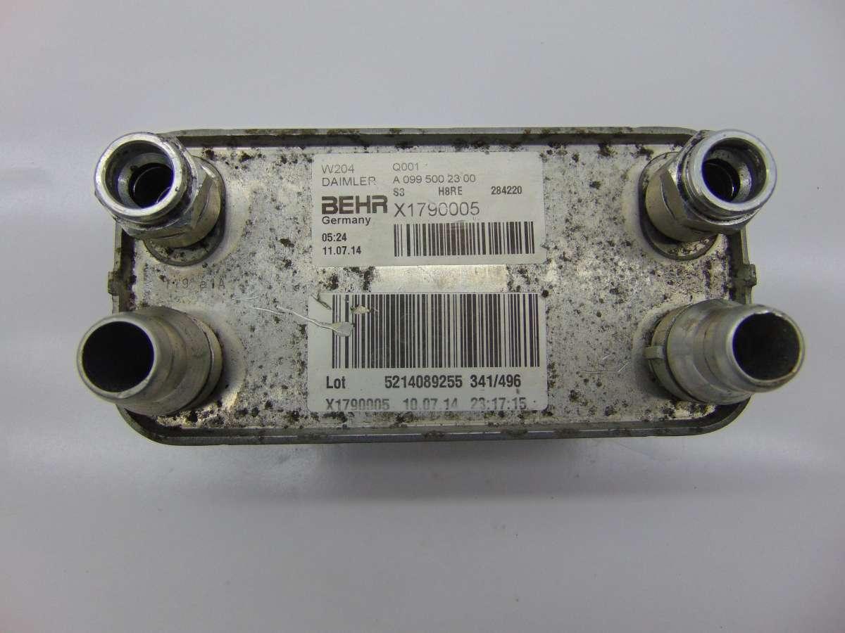Радиатор масляный Mercedes C W204 A0995002300,A0995001100
