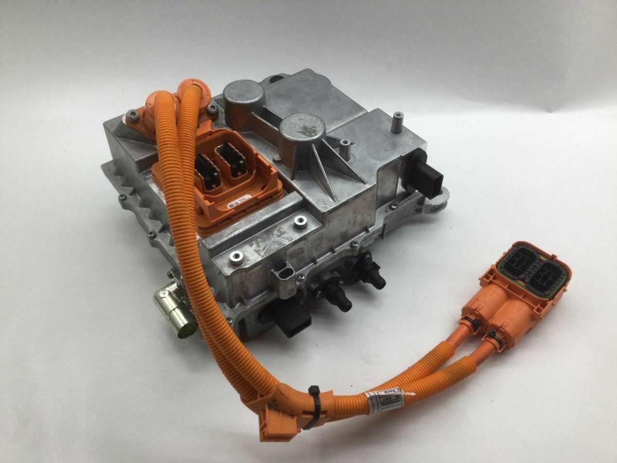 Модуль зарядки аккумулятора (АКБ) BMW i3 61448482637 ,8482637